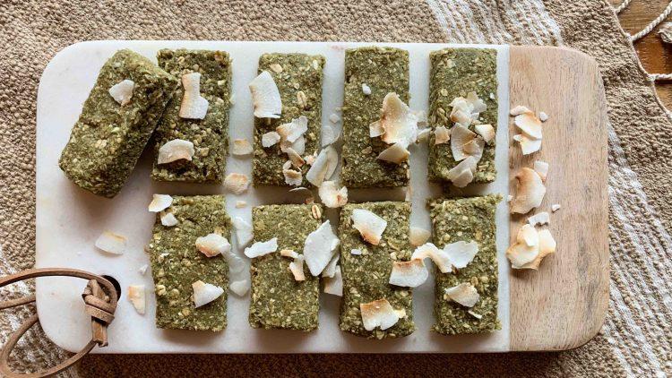 Recette de barres granola au matcha+ VIDÉO